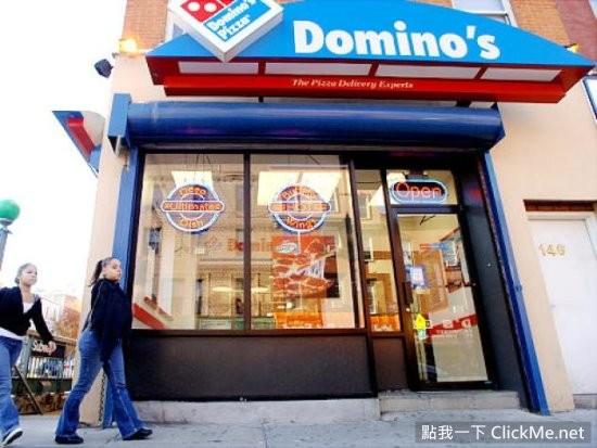 男子忍不住和披萨做爱被烫伤,之后客诉达美乐:怎么没警告标志!