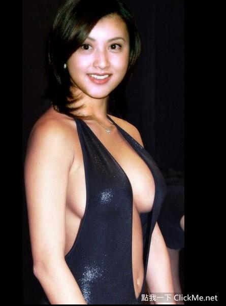日本女藝人《理想美胸》爭奪戰!「綾瀨遙」挺爆乳F奶勝出~~~