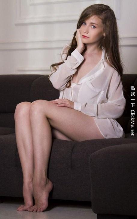 乌克兰极品女优《Emily Bloom》全裸私密直播露出巨乳粉鲍!(27P)-世界之美-环球女郎