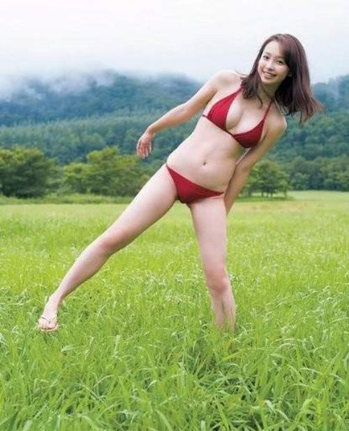 18岁《华村あすか》写真初登场!八头身美少女+白嫩欧派根本完美比例-世界之美-环球女郎