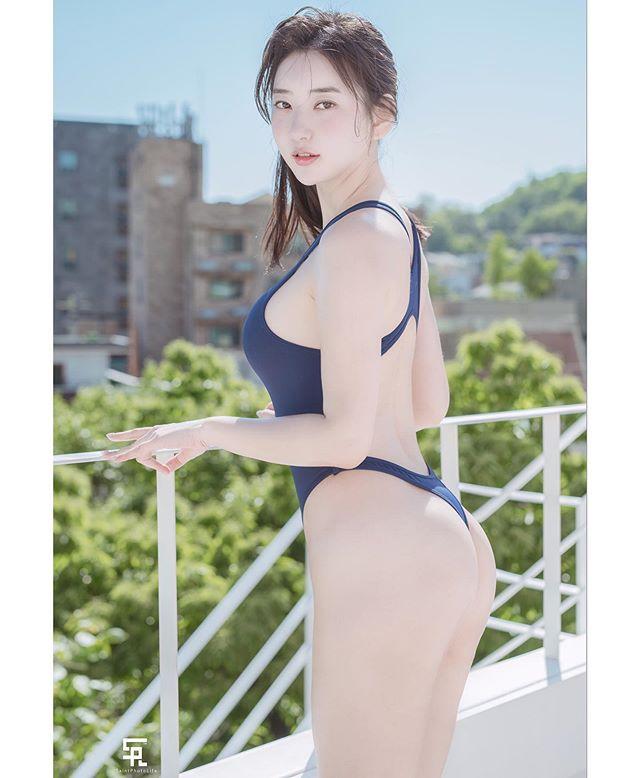 追踪数衝百万!跟著极品韩国辣模去那个泳池感受美好[50P]插图(3)