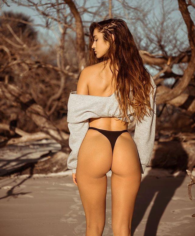 辣到想吃!異國焦糖甜心《Natalie Roush》沙灘蜜桃臀撐起你的春天!, 網路正妹美女分享