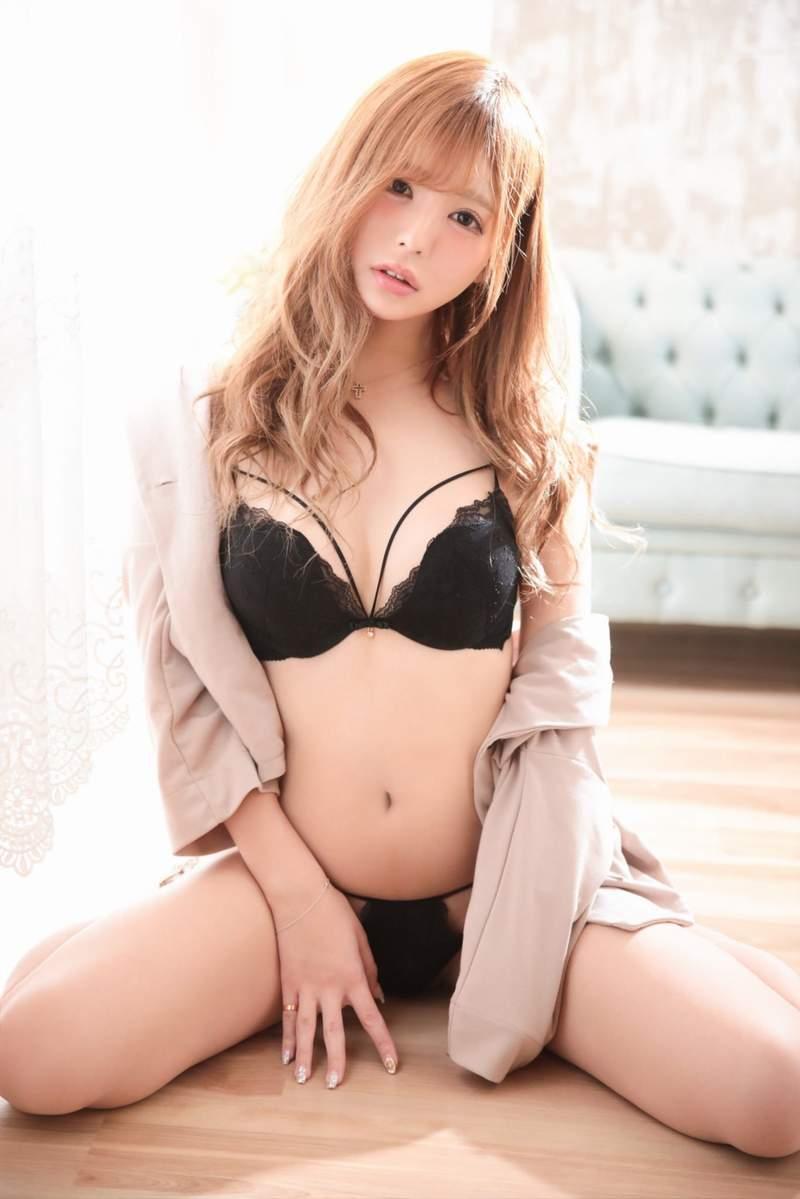 这么可爱一定曾经是男孩子!美妆Youtuber《ちゅる》原本是「自带12公分」女优!
