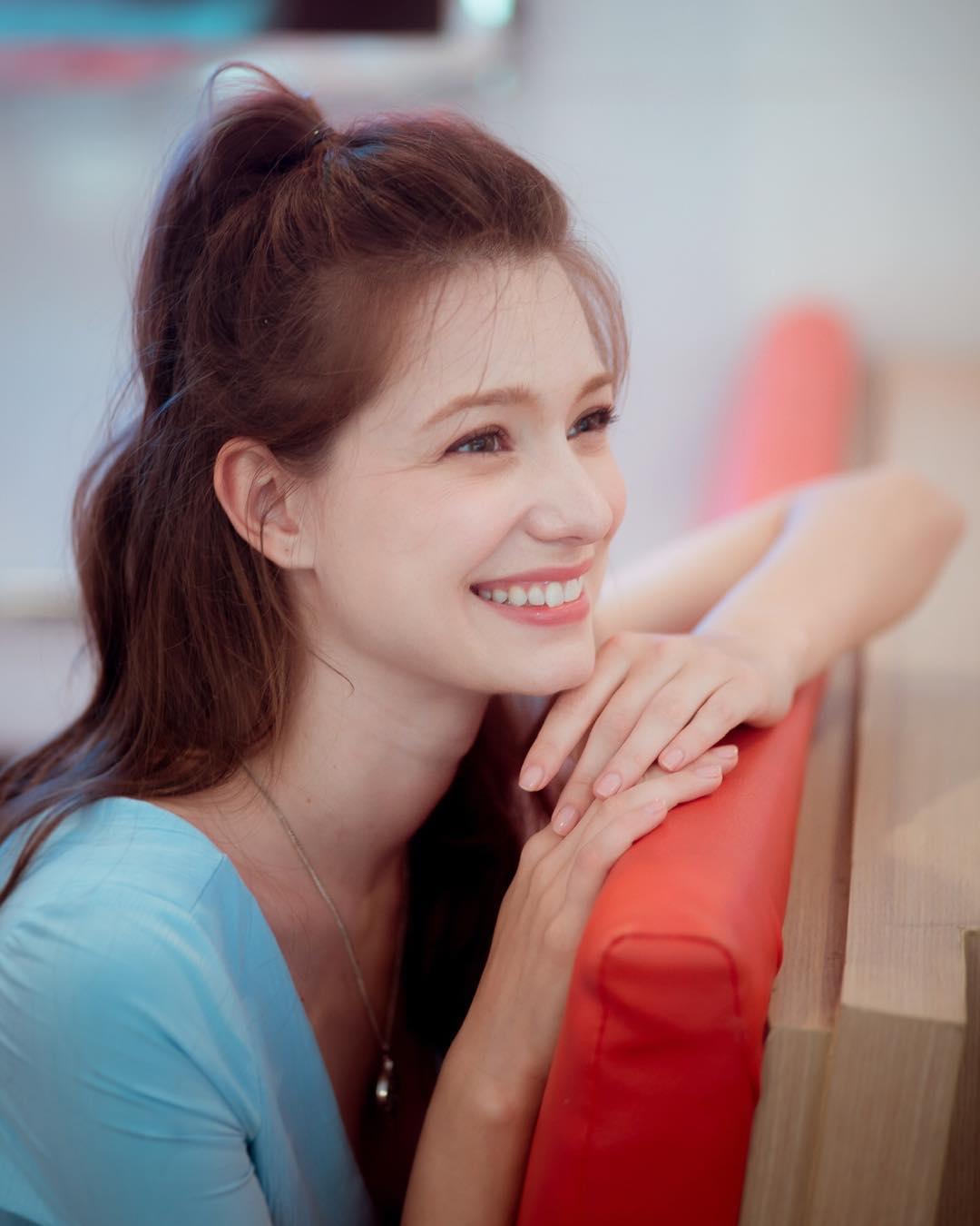 四国混血美女Anastasia Cebulska梦幻颜值惊呆网友