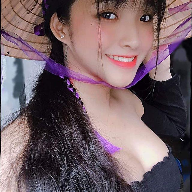 想认识一下!越南学生妹《Phan Thị Bảo Trân》腰瘦奶蹦好优质! 福利吧 第9张