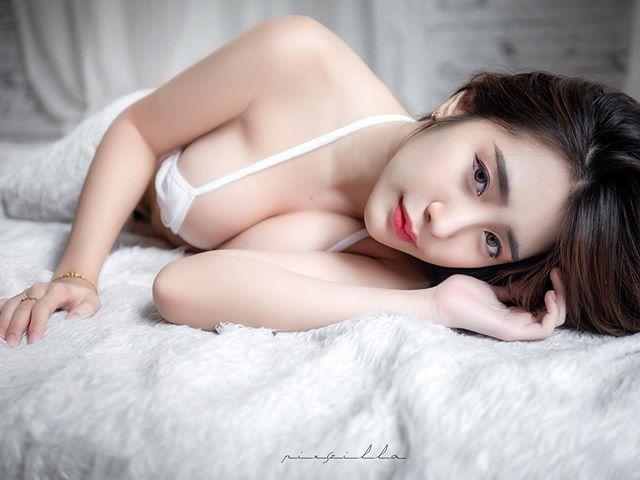 衣服不穿好!極品嫩模《d.donus》微露酥胸挑逗直男的極限!, 網路正妹美女分享