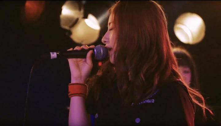 《成濑心美》引退后转型乐团主唱!在东京开演唱会大受欢迎!-世界之美-环球女郎